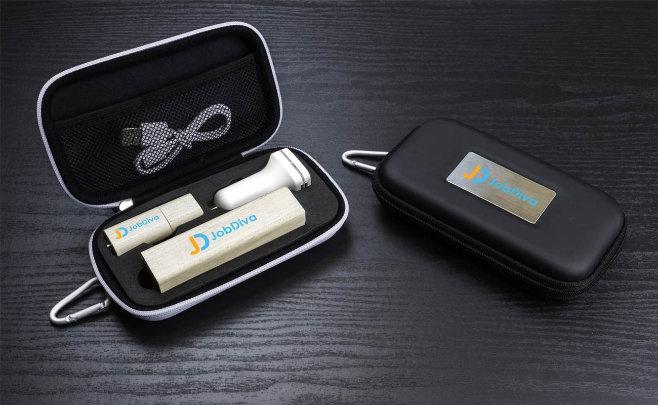Maple M - Custom USB, power bank branded and custom car chargers